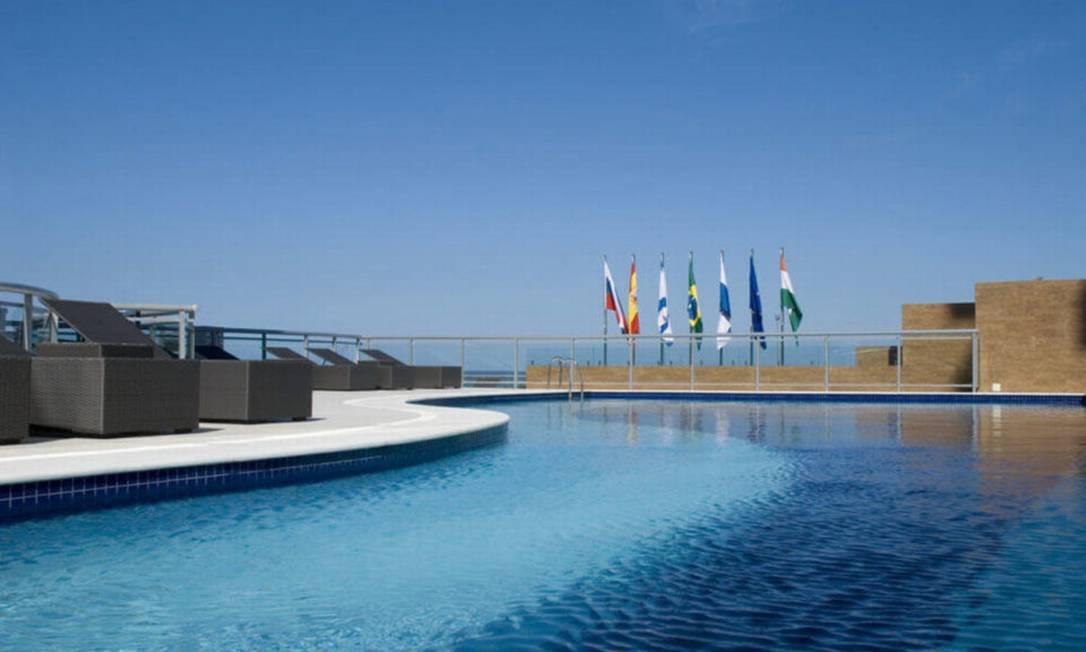 Piscina do hotel na Barra onde estava hospedado o funkeiro paulista. Inaugurado em 2012, hotel tem 140 quartos, todos com vista para o mar Foto: Divulgação