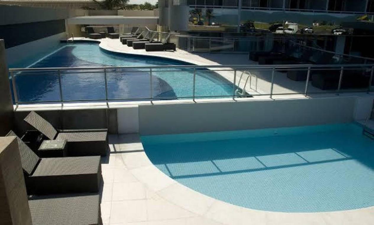 Área da piscina do hotel. Kevin chegou a ser levado, em estado grave, ao Hospital municipal Miguel Couto. Sua morte foi confirmada por volta das 21h30 Foto: Divulgação