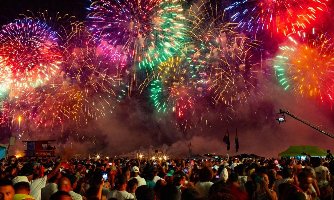 Réveillon em Copacabana celebra chegada de 2020 Foto: Roberto Moreyra em 01-01-2020 / Agência O Globo