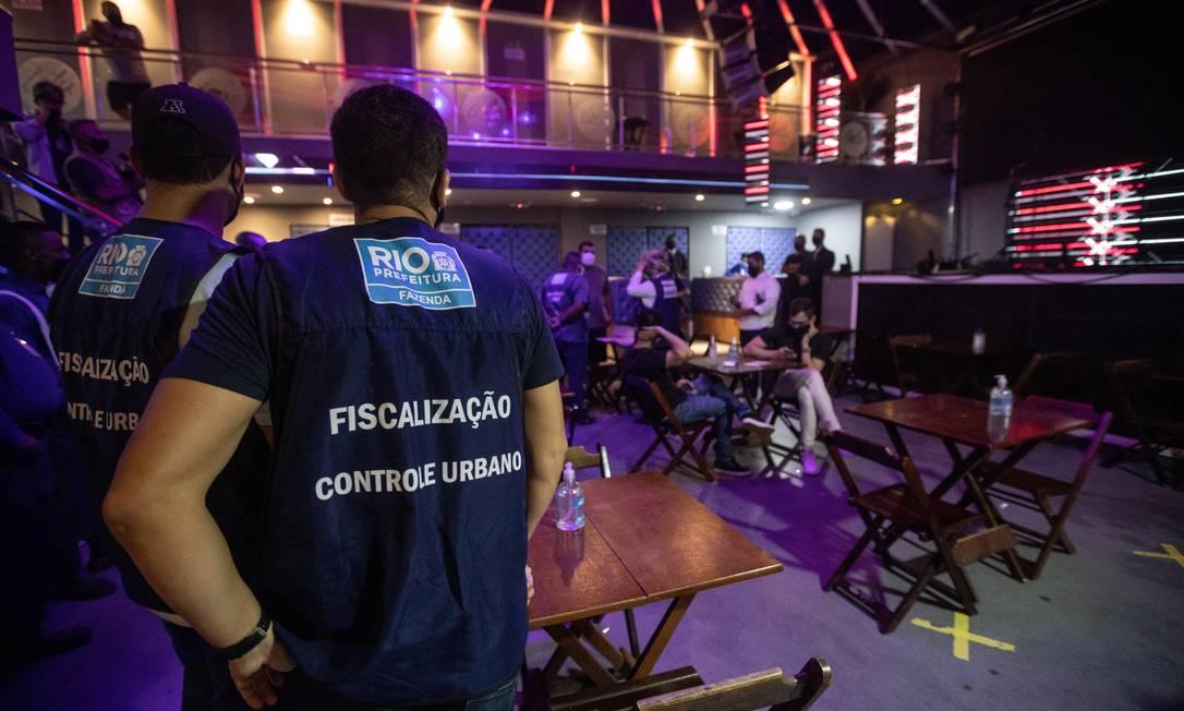 Operações da Prefeitura e da Vigilância Sanitária fiscalizam festas em boates durante pandemia de Covid-19 Foto: Brenno Carvalho em 13/02/2021 / Agência O Globo