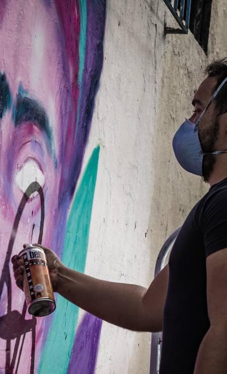 Intervenções artísticas deram novos ares a uma região combalida pela violência, em pelo menos 15 áreas do Jacarezinho Foto: Lenon Felício / LabJaca