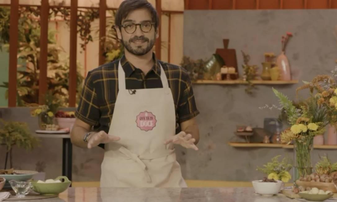 Lucas Corazza: o chef confeiteiro ensina receita de torta ganache de chocolate ao leite Foto: Reprodução Nhac GNT