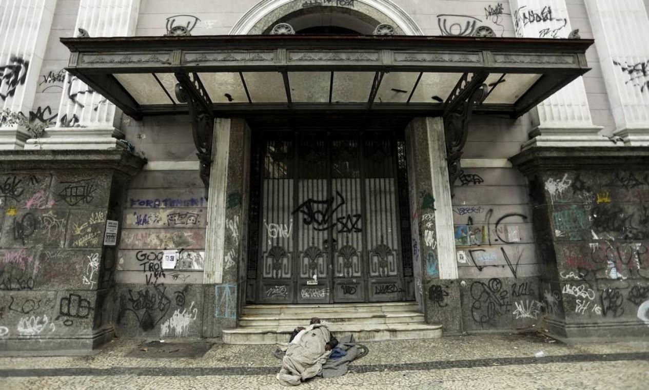Antigo prédio do Automóvel Clube, na Rua do Passeio, Lapa Foto: Gabriel de Paiva / Agência O Globo