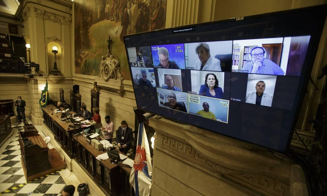 Maioria dos vereadores particpou da sessão virtualmente Foto: Alexandre Cassiano / Agência O Globo