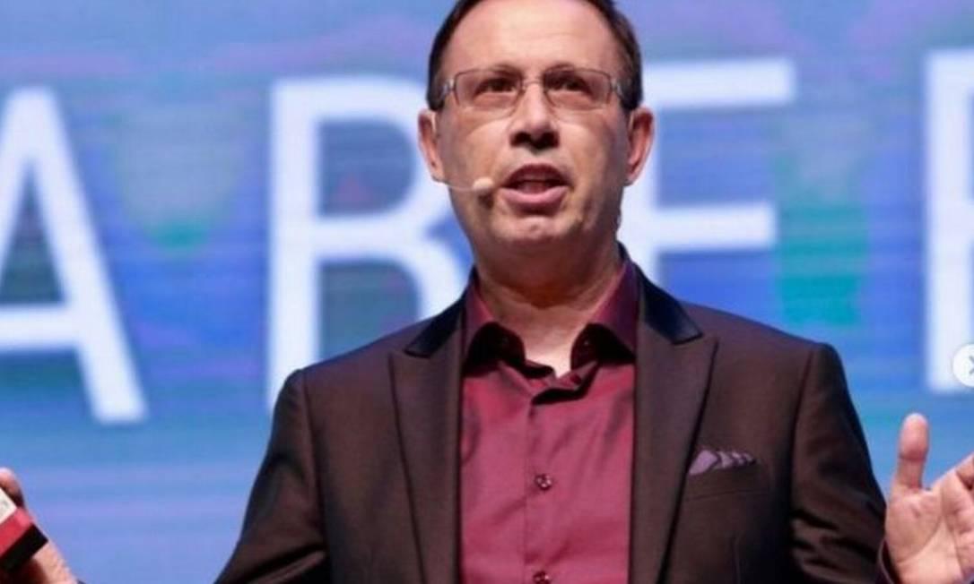 Carlos Wizard se apresenta como um empreendedor social de sucesso Foto: INSTAGRAM | REPRODUÇÃO