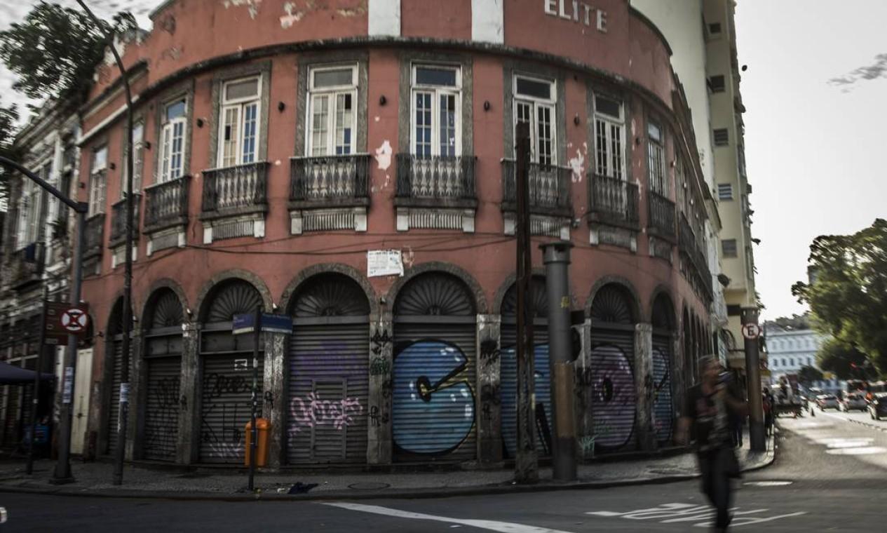 Edifícios na Rua Frei Caneca Foto: Guito Moreto / Agência O Globo