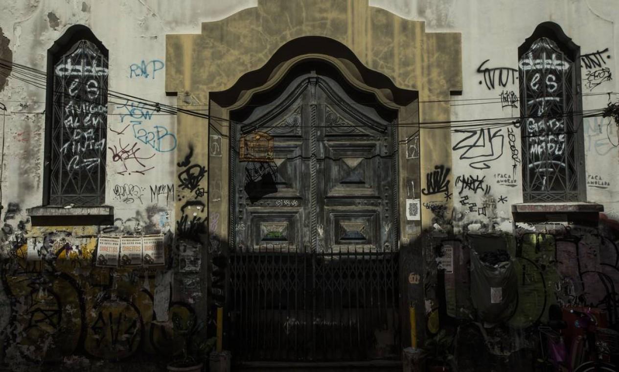 Igreja na Avenida Passos Foto: Guito Moreto / Agência O Globo