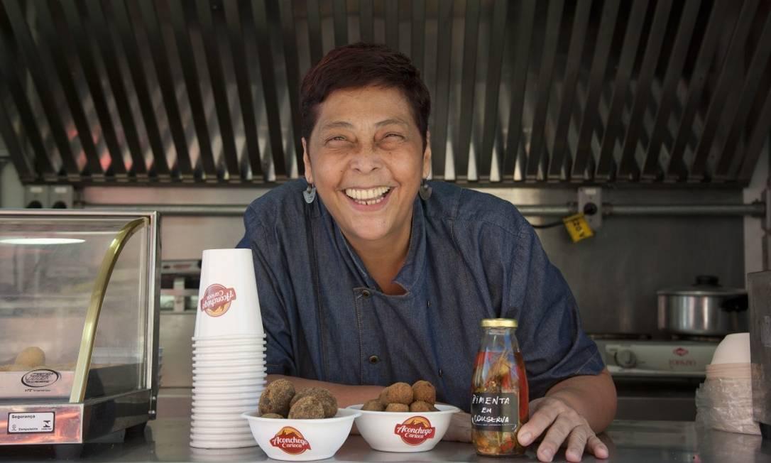 Katia Barbosa e seus petiscos com a cara o Rio: atração da série '10 minutos com a chef' Foto: Adriana Lorete / Agência O Globo