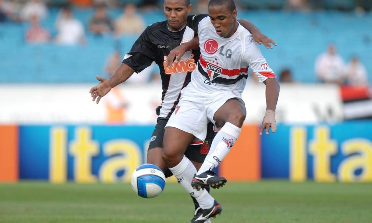 27º - SÃO PAULO (2007) - O atacante Borges em partida contra o Vasco, no Morumbi. Foto: Nelson Coelho / Nelson Coelho