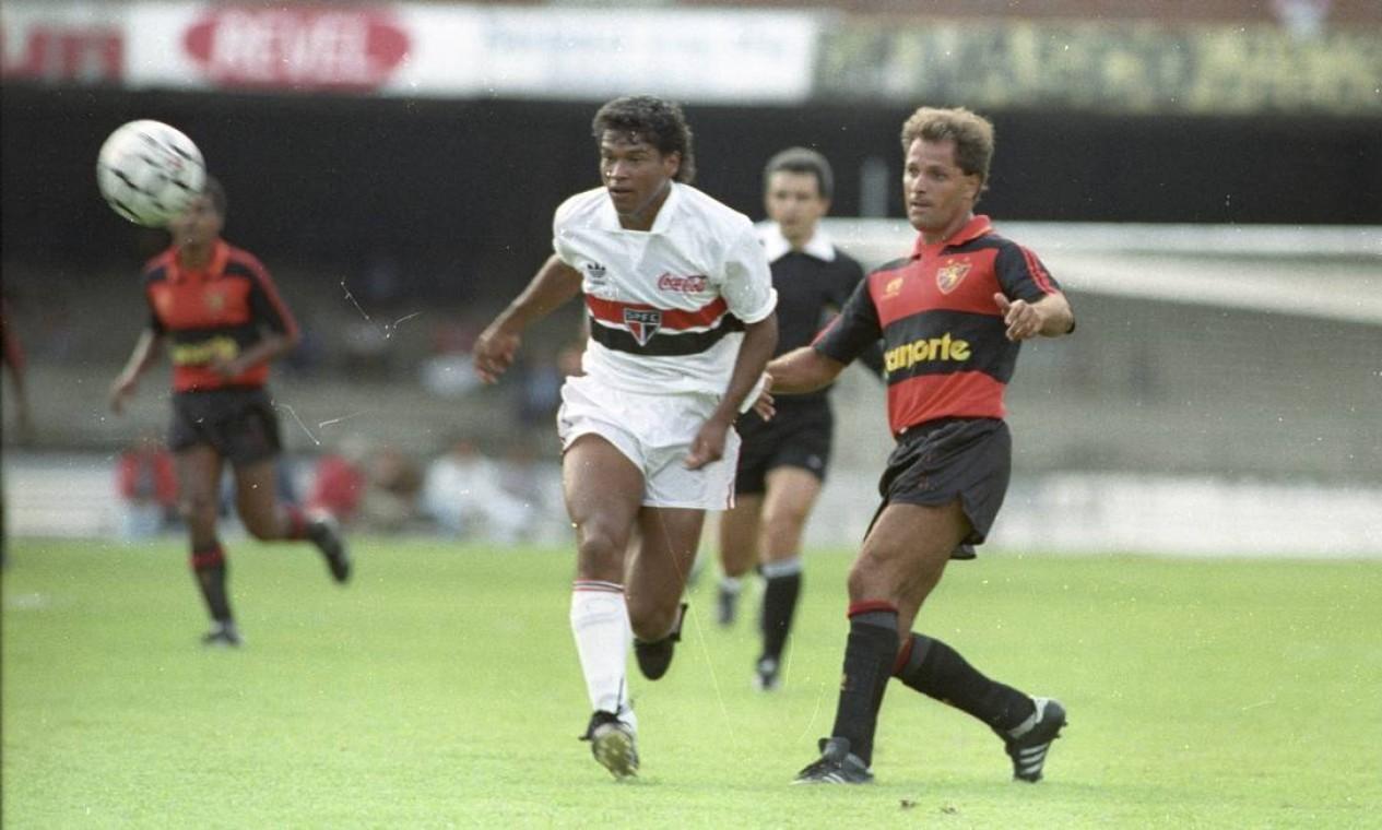 21º - SÃO PAULO (1991) - O tricolor de Muller, que viria a ser bicampeão mundial nos anos seguintes. Foto: Jose Carlos Moreira / Agência O Globo
