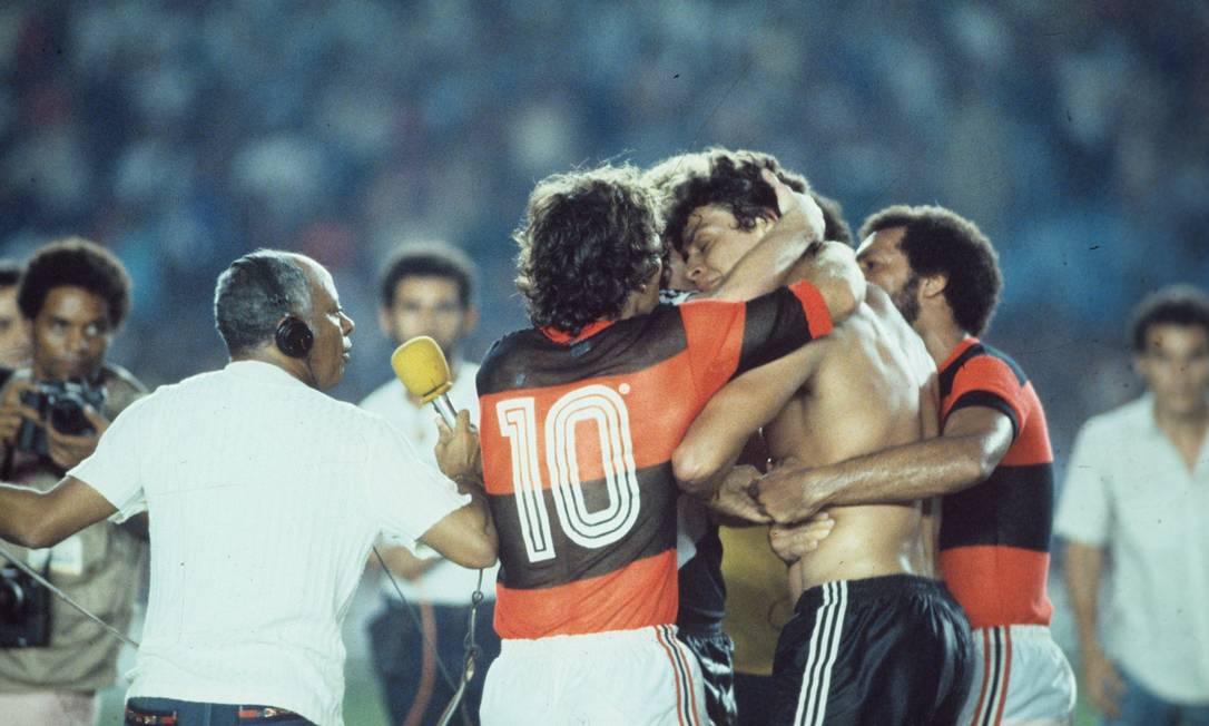 XVI - Flamengo (1983) - Flamengo en un partido ante el Vasco, por los Nacionales de Brasil 1983 Foto: Anibal Filho / Agência O Globo