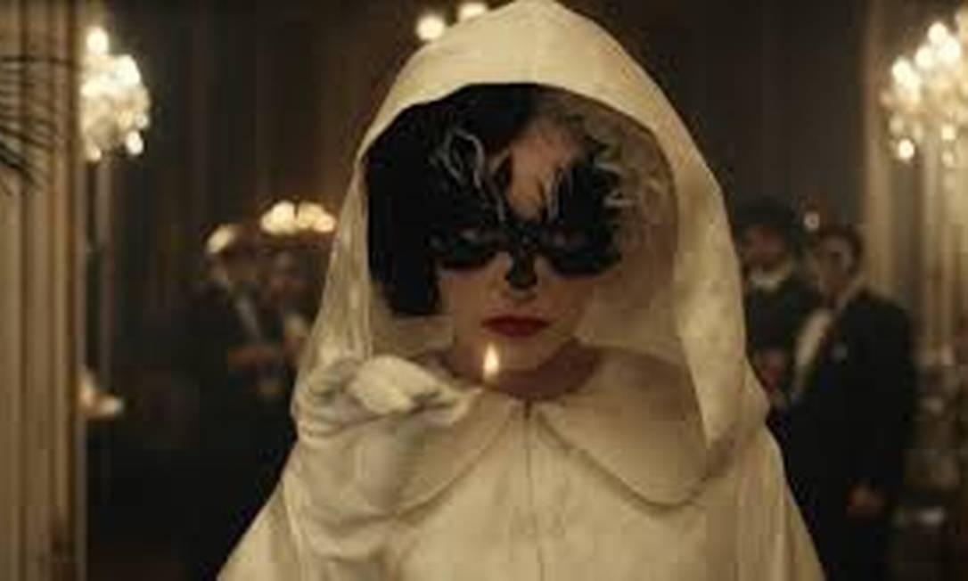 Emma Stone antes de incendiar o público numa performance Foto: Divulgação