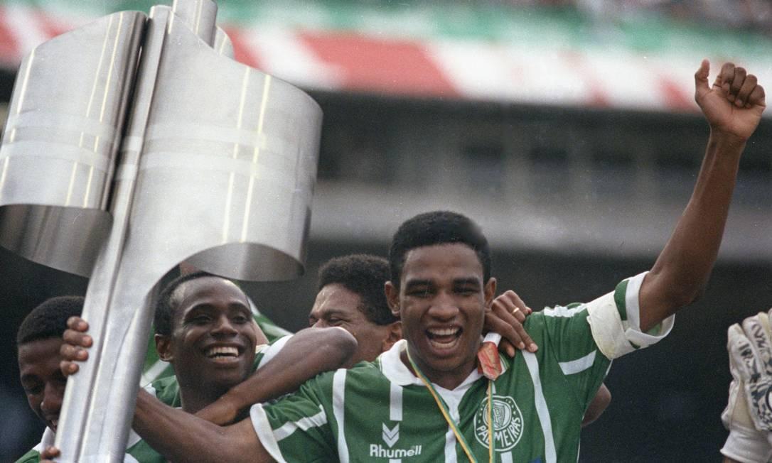 8º - Palmeiras (1993) - Edilson y Cesar Sampaio celebraron los dos primeros logros del club en la década de 1990. Foto: Claudio Rossi / O Globo