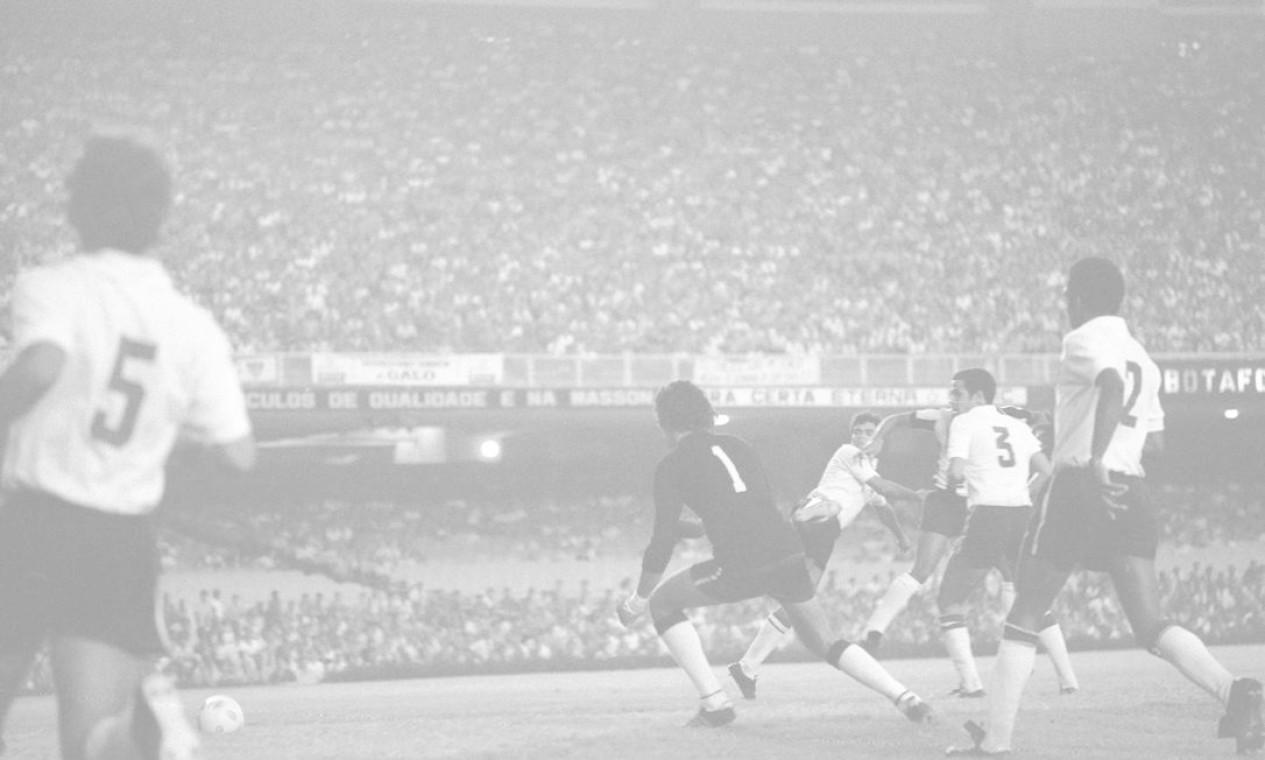 28º - ATLÉTICO-MG (1971) - Com vitória sobre o Botafogo, o Galo levou a primeira edição do nacional com o nome de Brasileiro. Foto: Arquivo/O Globo
