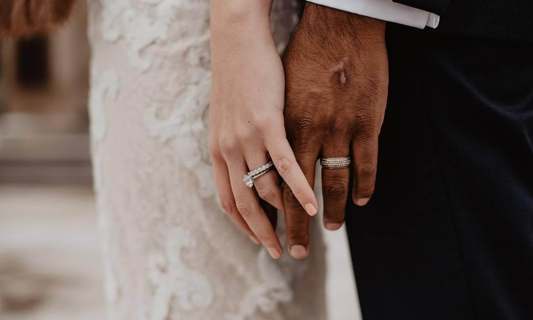 Casamento sem convidados é opção para casais que não querem fazer festa Foto: Pexels
