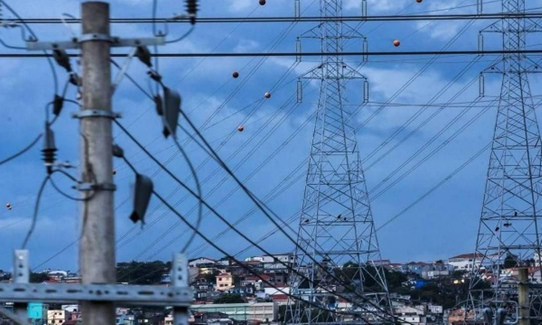 Na foto, linhas de transmissão de energia elétrica Foto: Agência O Globo
