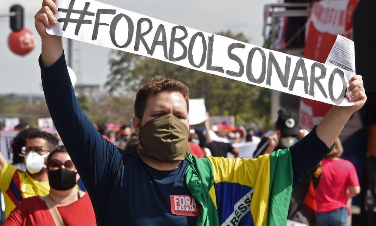 Manifestante também levaram a bandeira do Brasil Foto: Evaristo Sá / AFP