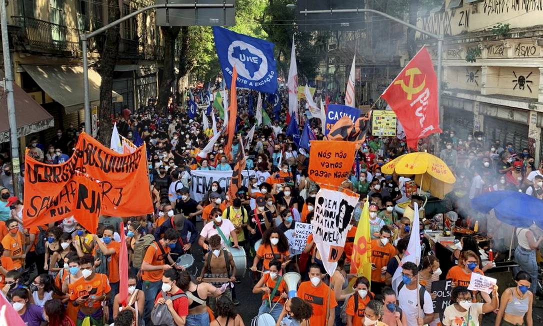 Movimentos populares do Rio organizaram a manifestação contra Bolsonaro do Rio Foto: Agência O Globo