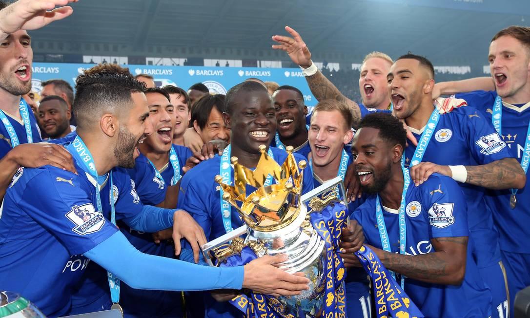 Kanté comemora título da Premier League no Leicester Foto: Leicester City/Site oficial/Divulgação