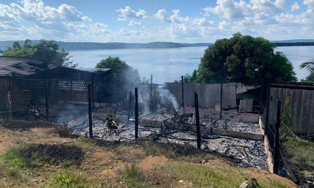 Casa incendiada por garimpeiros na aldeia Fazenda Tapajós, em Jacareacanga, no Pará Foto: Divulgação