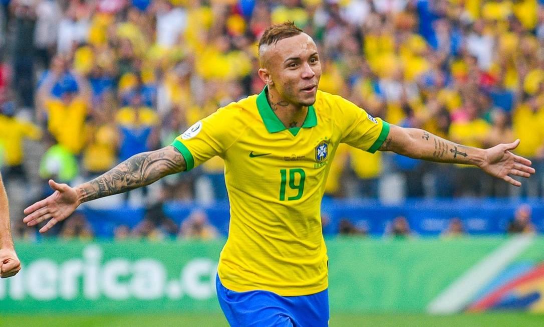EVERTON - Último jogador brasileiro a entrar no seleto grupo de artilheiros da Copa América, Everton dividiu o destaque da edição de 2019 com o peruano Paolo Guerrero, ambos com 3 gols Foto: Reprodução