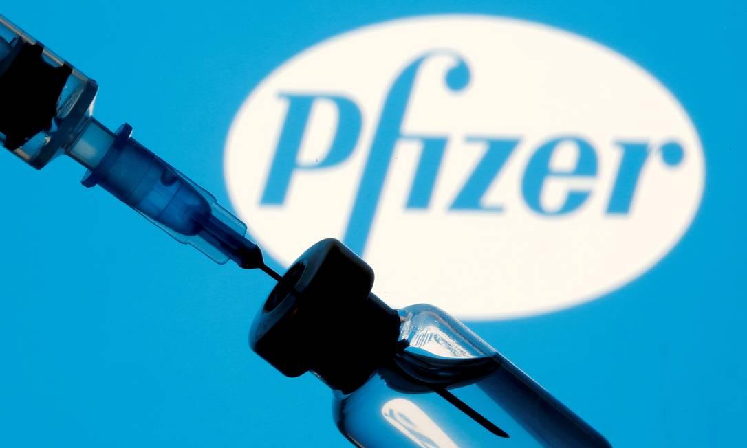 Frasco da vacina da Pfizer/BioNTech contra a Covid-19 Foto: Dado Ruvic / REUTERS