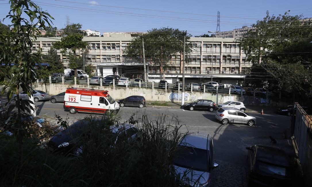 No Hospital Carlos Tortelly, profissionais foram avisados há duas semanas da falta de medicamentos Foto: / Fabio Guimaraes/25-09-2019