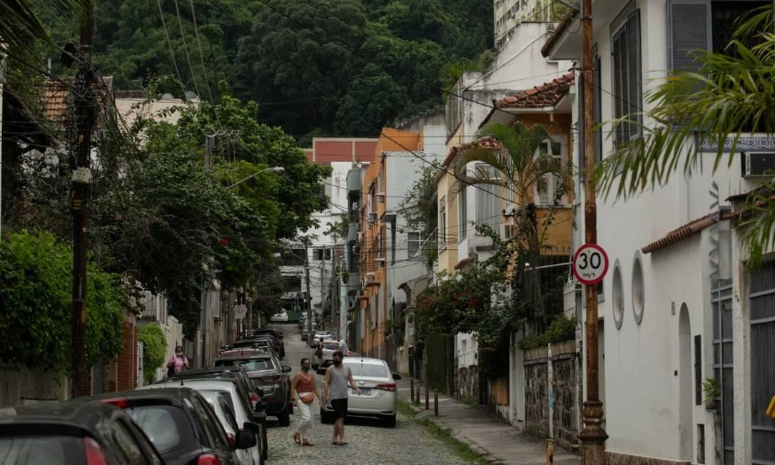 Casas em rua do Humaitá, na Zona Sul do Rio Foto: Brenno Carvalho em 26/02/2021 / Agência O Globo