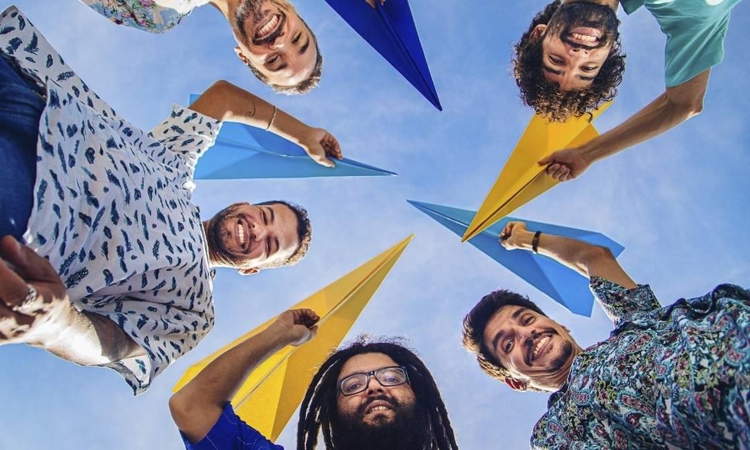 """O céu é o limite. Grupo Papagaio Sabido lança álbum """"Voo livre"""" Foto: Divulgação"""