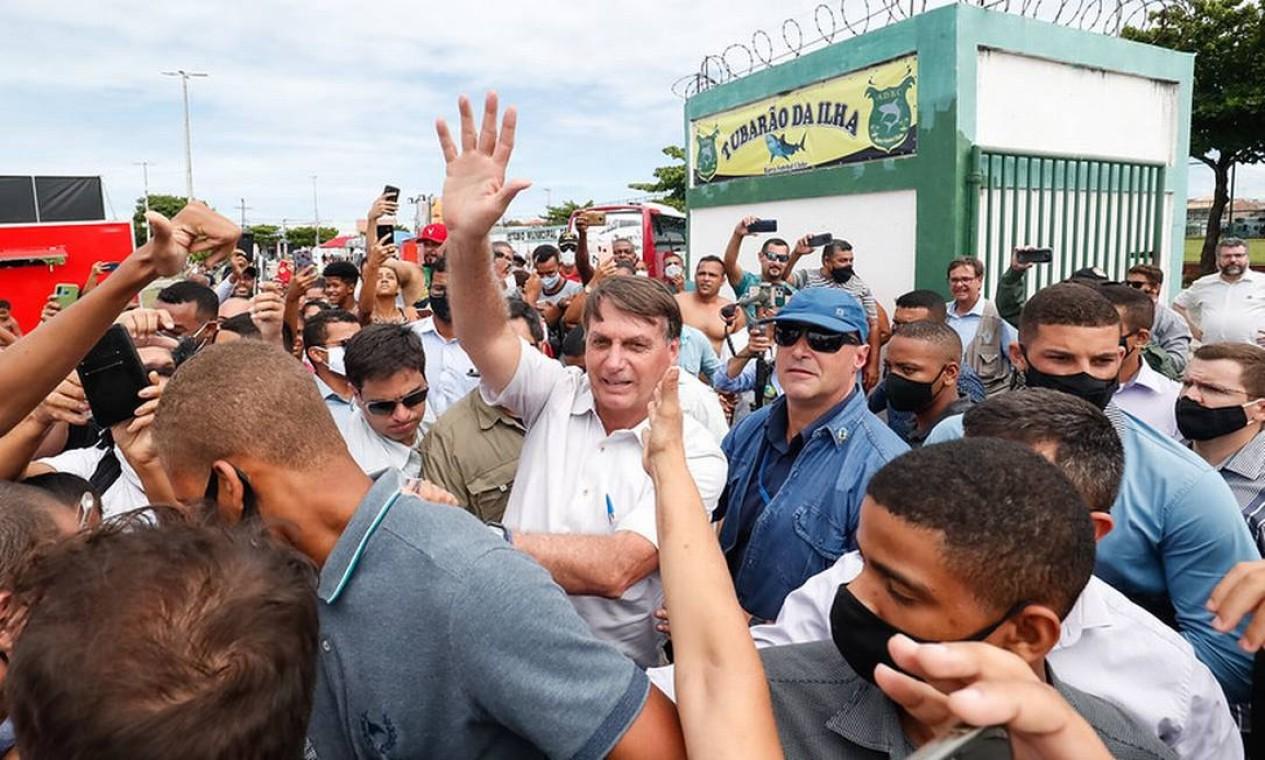 Presidente Jair Bolsonaro participa de aglomeração em Barra dos Coqueiros, Sergipe Foto: Alan Santos / Presidência da República - 28/01/2021