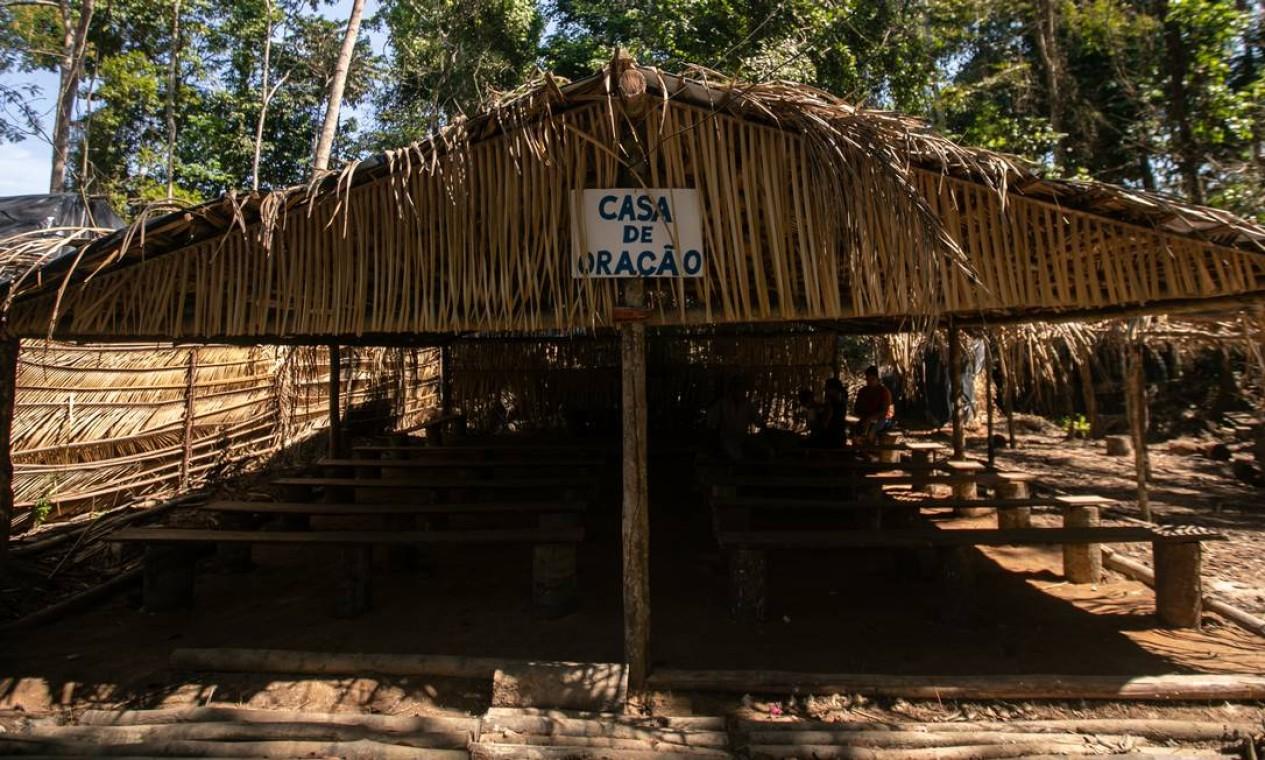 Cabana construída para orações Foto: Brenno Carvalho / Agência O Globo