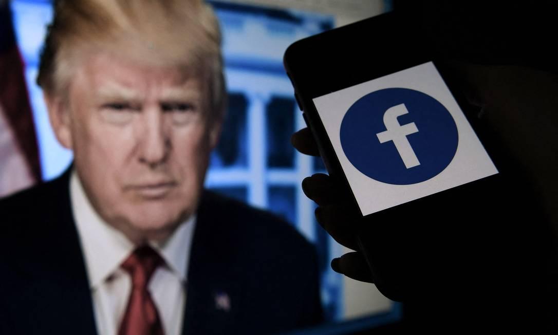 Ex-presidente dos EUA, Donald Trump foi banido por pelo menos dois anos do Facebook Foto: Olivier Douliery / AFP