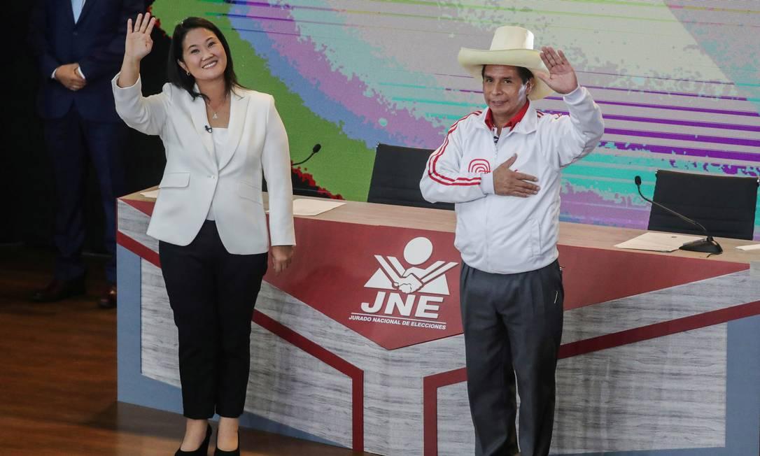 Keiko Fujimori, candidata que representa a direita, e Pedro Castillo, nome da esquerda, durante debate no dia 30 de maio Foto: SEBASTIAN CASTANEDA / REUTERS