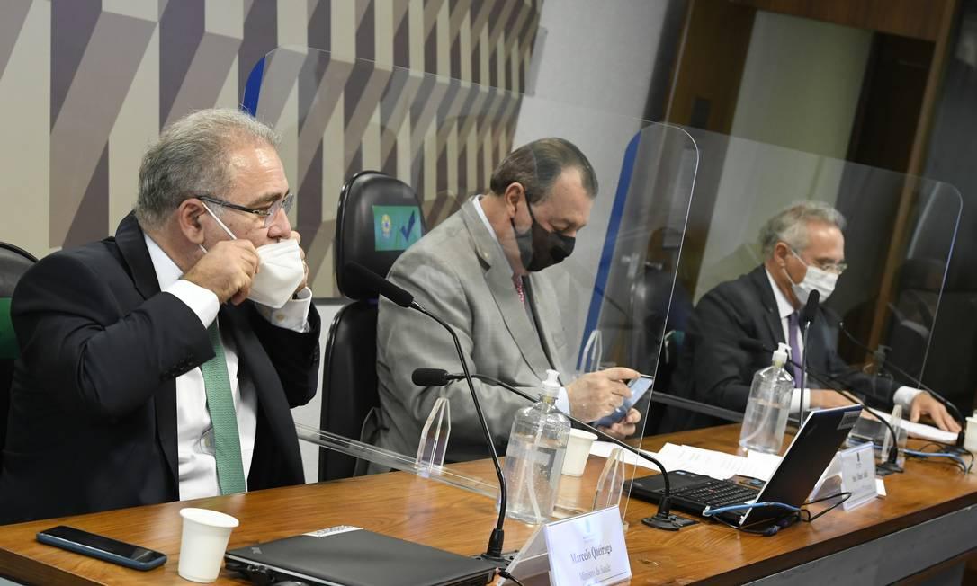 O ministro da Saúde, Marcelo Queiroga (à esquerda), em seu primeiro depoimento à CPI da Covid: ele foi reconvocado após omissões Foto: Edilson Rodrigues / Agência Senado