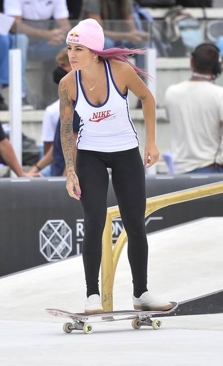 A já considerada veterana e uma lenda no esporte, Letícia Bufoni, de 28 anos, voltou a competir em alto nível entre as melhores do planeta, cravando o quarto lugar no ranking mundial antes das Olimpíadas, no Dew Tour Foto: Fabrizio Corradetti / Agência O Globo