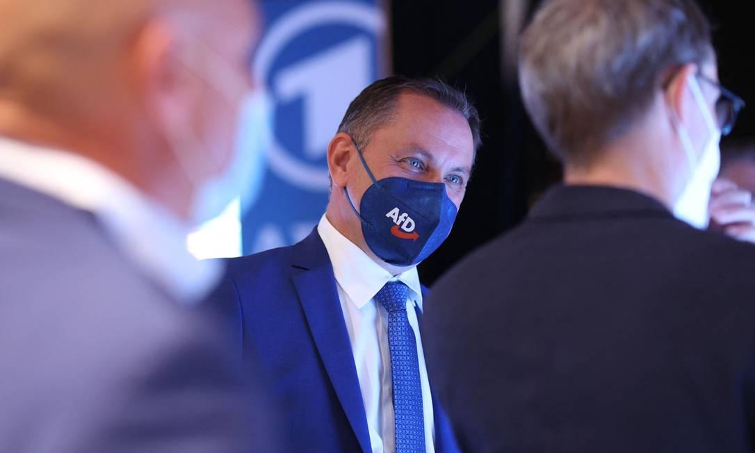 Vice-líder da Alternativa para a Alemanha,Tino Chrupalla, durante reunião depois da divulgação dos resultados da Saxônia-Anhalt Foto: RONNY HARTMANN / AFP