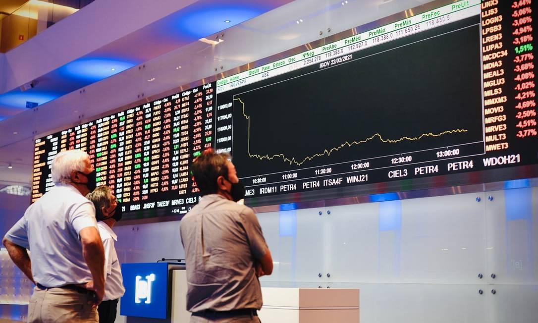 """Bolsa viu boom de pessoas física em 2020. Estudo propõe """"democratizar"""" faixa para aqueles que querem se tornar investidores qualificados. Foto: Marco Ankosqui / Agência O Globo"""