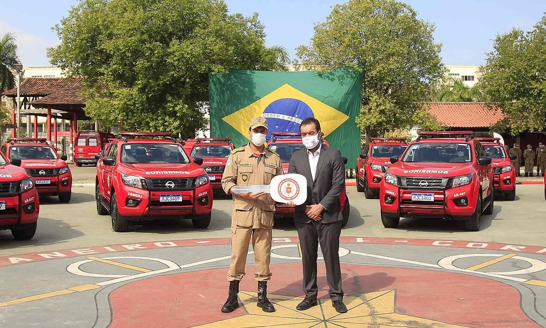 O governador Cláudio Castro (PL) participa da cerimônia de entrega das viaturas Foto: Governo do Estado/Divulgação