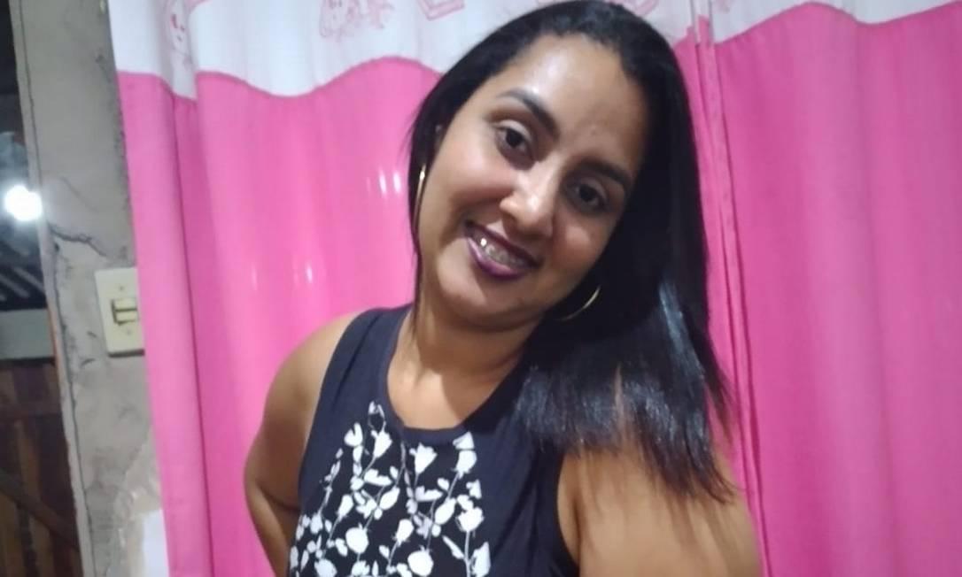 Ana Carolina era vendedora e tinha 29 anos Foto: Facebook / Reprodução