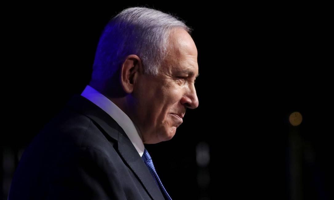 Premier israelense, Benjamin Netanyahu, durante cerimônia em homenagem aos funcionários da saúde no combate à Covid-19 Foto: RONEN ZVULUN / REUTERS / 6-6-21