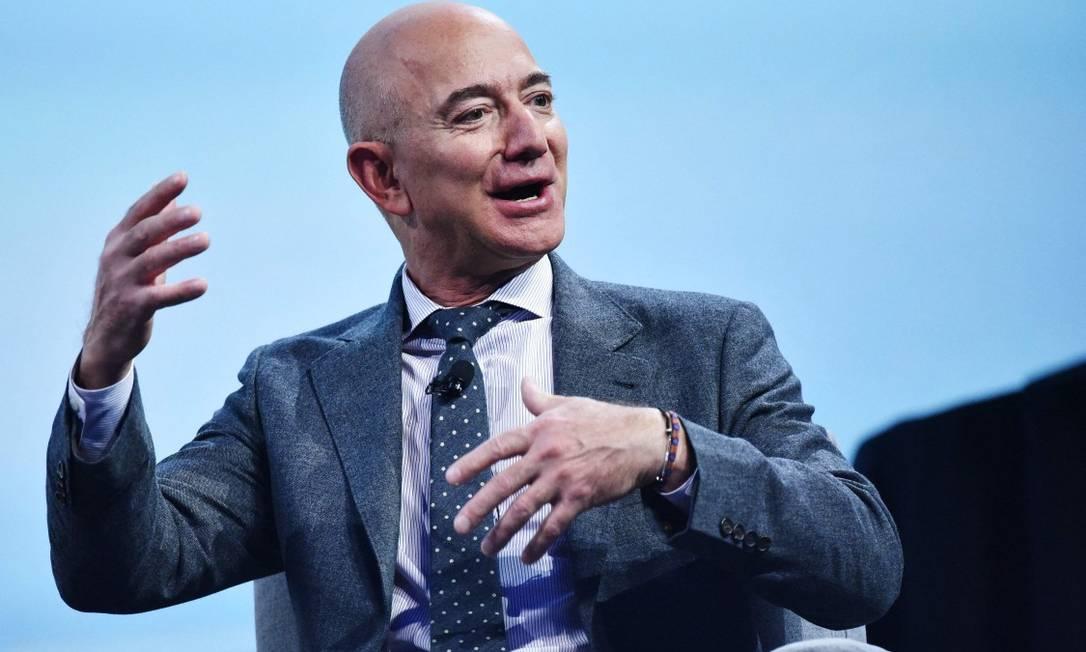 Algumas das pessoas mais ricas dos EUA, incluindo o fundador da Amazon, Jeff Bezos, usaram brechas para pagar menos imposto de renda federal nos últimos anos. Foto: MANDEL NGAN / AFP