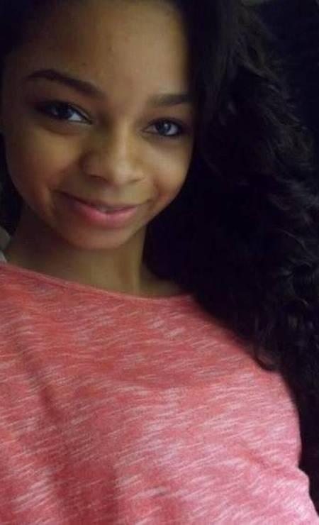 Karolayne Nunes de Almeida Alves, de 19 anos, estava grávida de cinco meses quando foi baleada durante um tiroteio no Complexo do Alemão, na Zona Norte do Rio, em dezembro de 2017 Foto: Reprodução