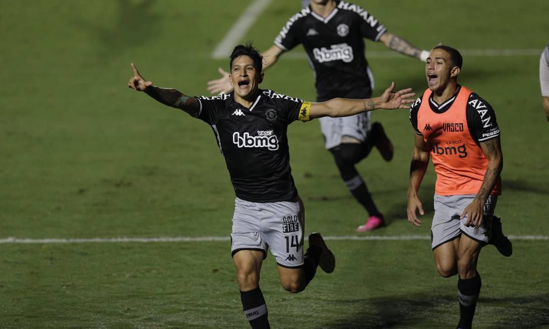 Cano marcou o gol que deu a classificação ao Vasco Foto: Agência O Globo