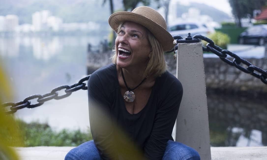"""Aos 63 anos, a comerciante Heloísa Camello pratica exercícios, faz trabalhos de modelo e planeja se casar de novo: """"Se alguém colocar velhice no meu prontuário, é por preguiça"""" Foto: Maria Isabel Oliveira / Agência O Globo"""