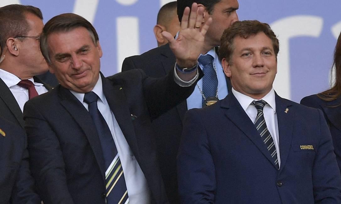 O presidente Jair Bolsonaro, ao lado do presidente da Conmebol, Alejandro Domínguez, durante a final da Copa América de 2019, no Maracanã Foto: Carl de Souza/AFP/07-09-2019