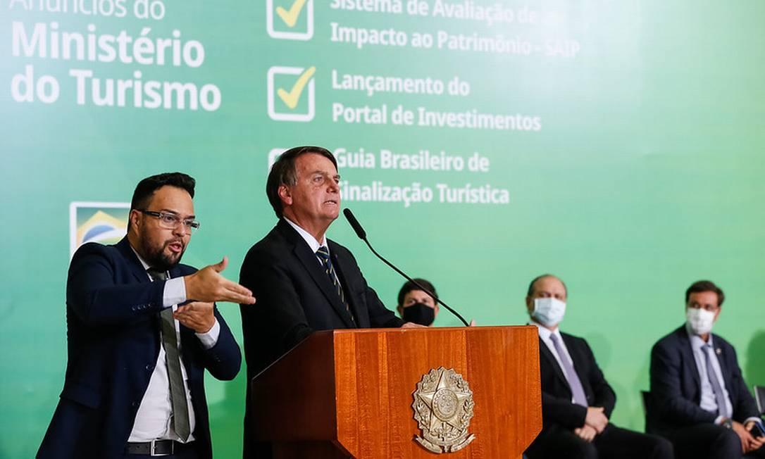 Bolsonaro diz que Ministério da Saúde vai desobrigar uso de máscaras para vacinados e pessoas que já se contaminaram Foto: Alan Santos / Divulgação