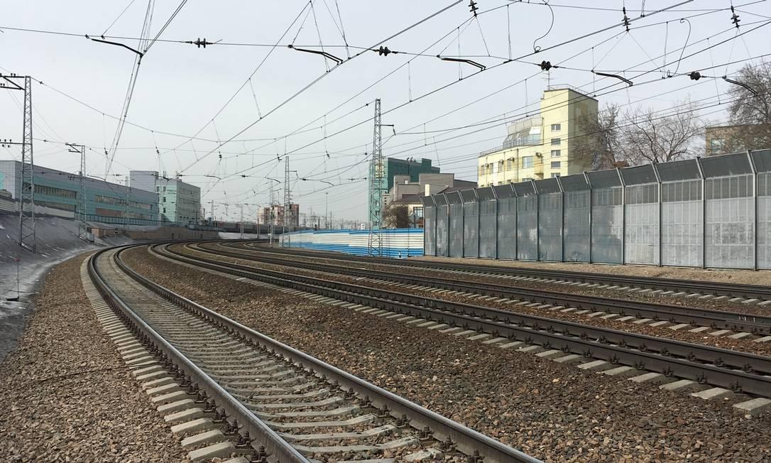 Trecho da Ferrovia Transiberiana em Novosibirsk, na Rússia Foto: Filipe Barini / Infoglobo