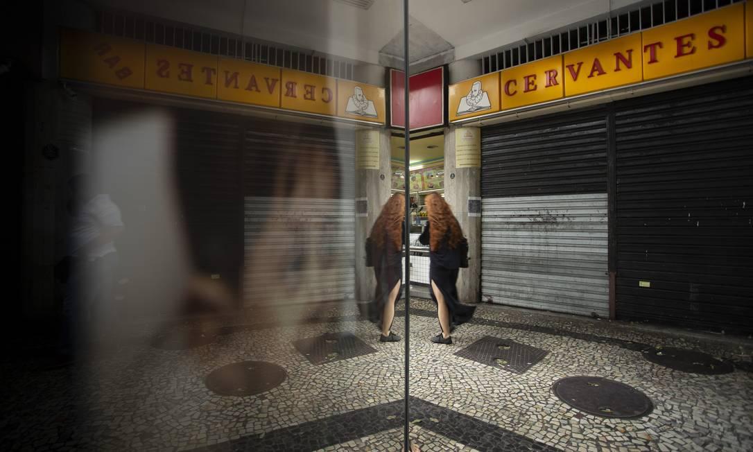 Bar Cervantes, na Rua Barata Ribeiro, fechado há algumas semanas Foto: Márcia Foletto / Agência O Globo