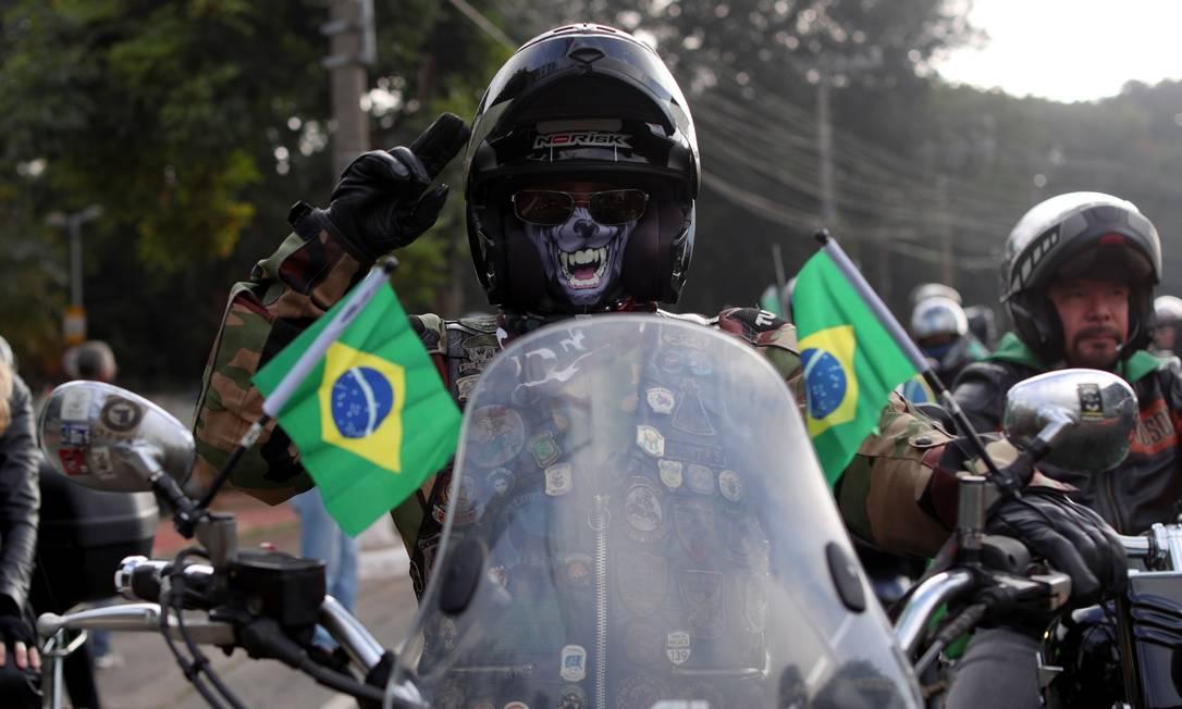 Apoiadores acompanharam o presidente num percurso de 120 quilômetros Foto: Amanda Perobelli / REUTERS