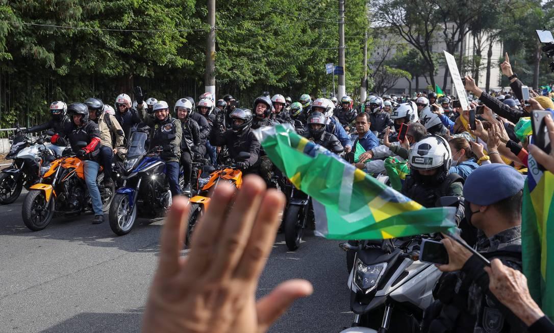 Após a motociata, ao discursar, Bolsonaro voltou a dar informações falsas sobre a pandemia Foto: Amanda Perobelli / REUTERS